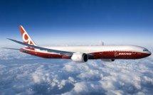 Самолет Boeing 777-9x со складываемыми крыльями