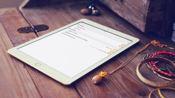 iPad 2017 на столе