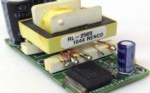 Пошаговый усилитель постоянного тока с модулем LM2588-ADJ на белом фоне