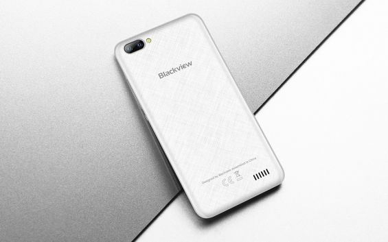 Смартфон Blackview A7 белого цвета